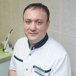 Пейсахов Леонид Нурилович - главный врач клиники, врач высшей категории